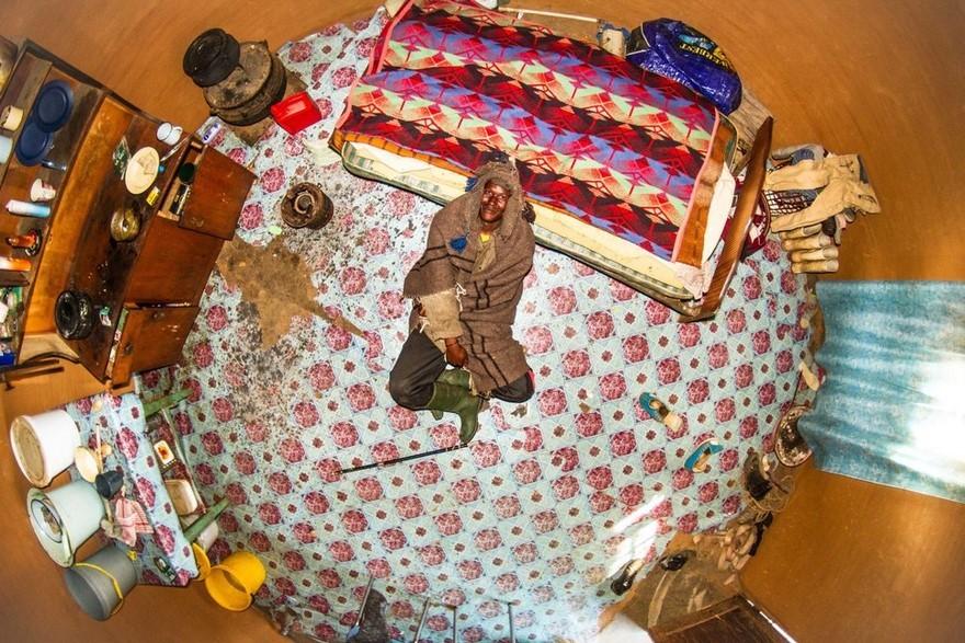 bedrooms-around-world-my-room-project-john-thackwray-12-57fb381102977-jpeg__880
