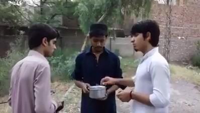 Must Watch How.. 2 Pathans Foolish a Punjabi Boy
