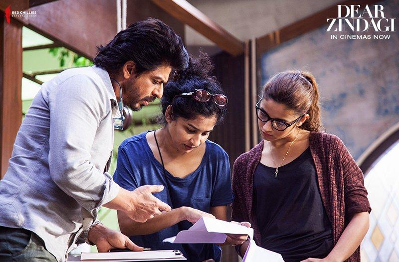 Dear Zindagi Alia-SRK's film Crosses 50 Crore Mark On Its 2nd Saturday